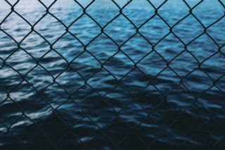 water thru fence-david-grandmougin.jpg
